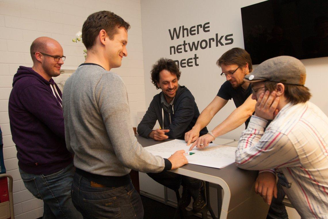 In Kleingruppen wurden die Detailbereiche der neuen Neos Teamstruktur geplant