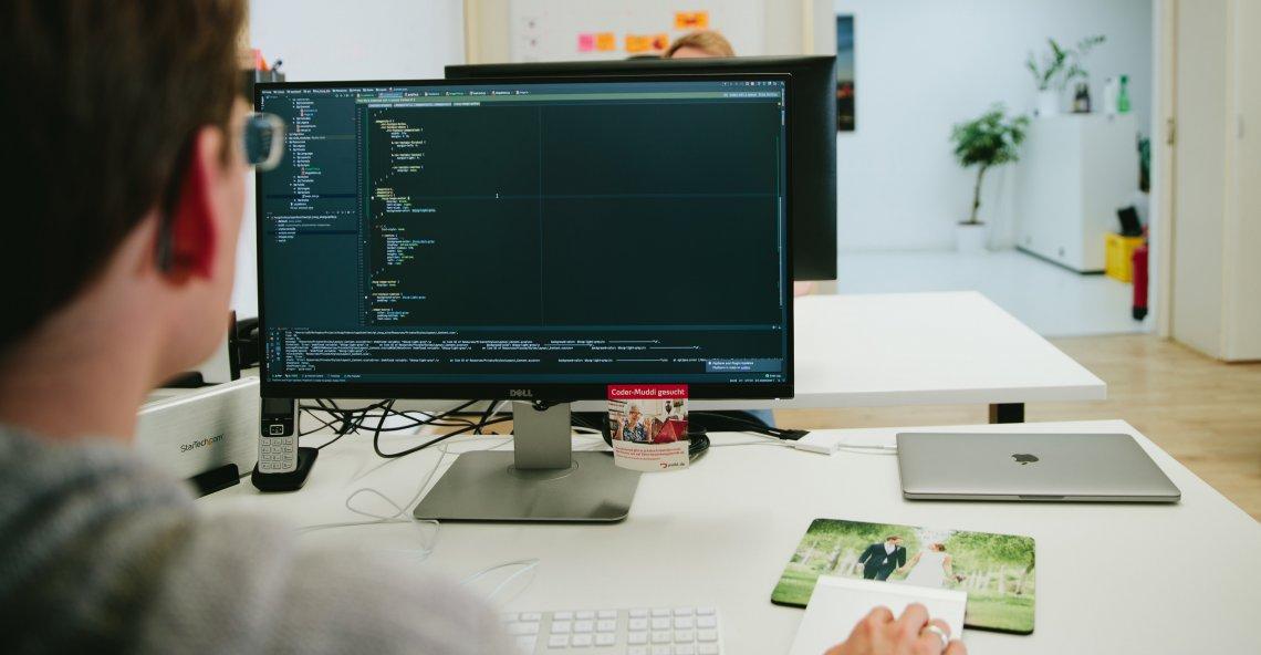 punkt.de in Karlsruhe sucht Webentwickler mit Operator Affinität