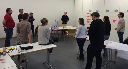 Das Team während der Präsentation des neuen Styleguides für TYPO3