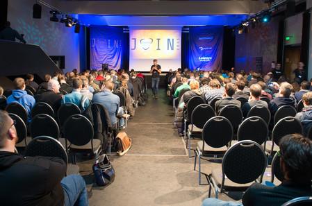 Ein Blick aus letzter Reihe auf die Inspiring Conference